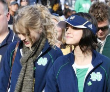 selena-taylor-at-a-football-game-4